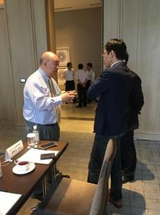 TOSIA理事長與AIOTA秘書長的會前交流